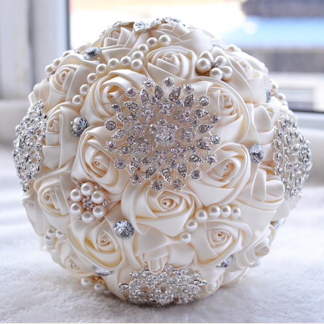 Bridal bouquet of peonies   Wedding bouquet of roses