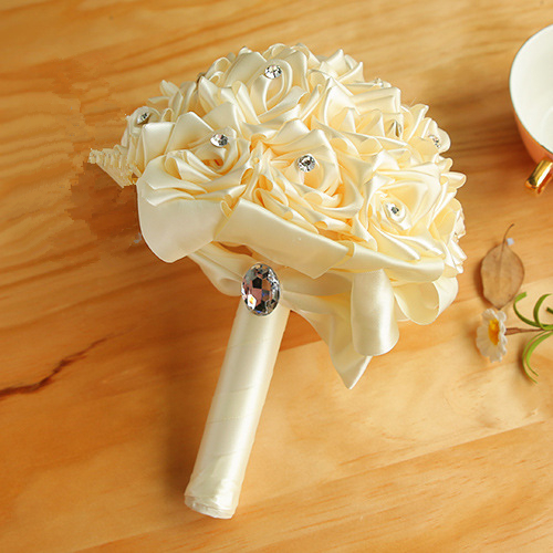 Bridal bouquet of roses white | Order wedding bouquet online