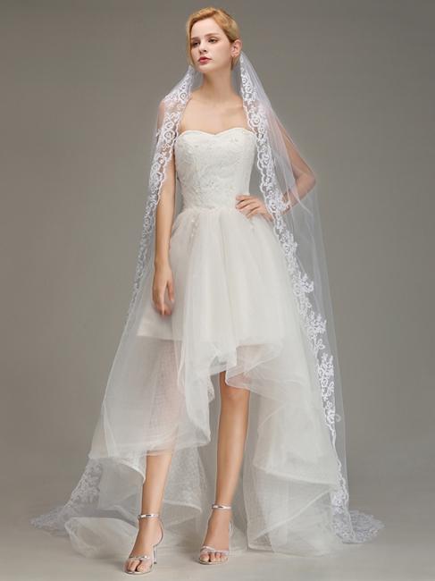 Bridal veil short | Wedding hairstyle with veil