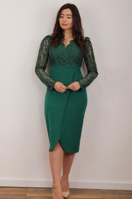 Green evening fashions | Mother of the Bride dresses with lace sleeves