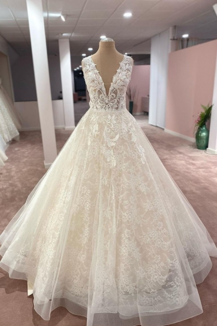 Elegant wedding dresses V neckline | Wedding dresses A line lace