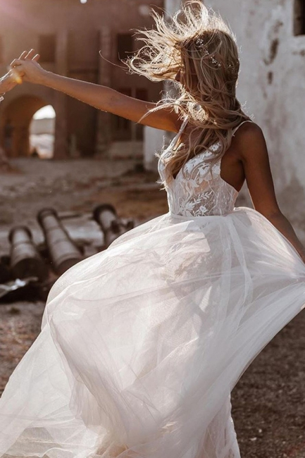 Schlichtes Hochzeitskleid mit Spitze | Brautkleid A Linie