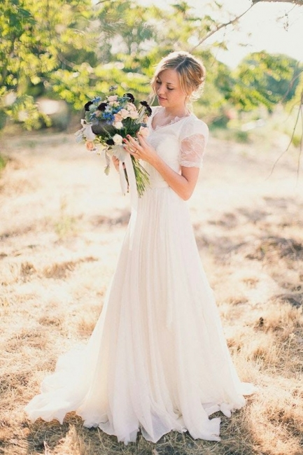 Elegant beach wedding dresses white with sleeves lace tulle wedding gowns with train