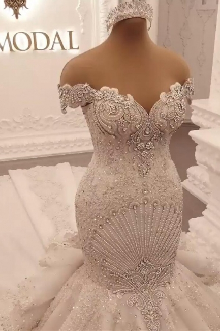 Extravagant wedding dresses mermaid | Wedding dresses long train with lace