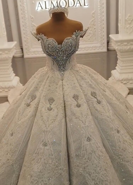 Luxurious Weiße Brautkleider Spitze Prinzessin Hochzeitskleider Brautmoden