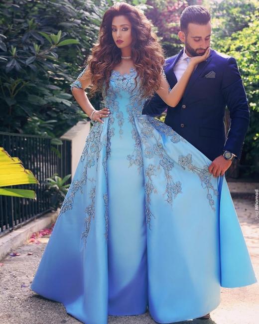 Blaues Abschlussballkleid Lang Günstig Perlen Satin Abendkleider Abendmoden