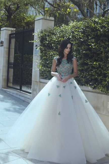 Fashion Wedding Dresses White With Pearls A Line Tulle Wedding Gowns Online