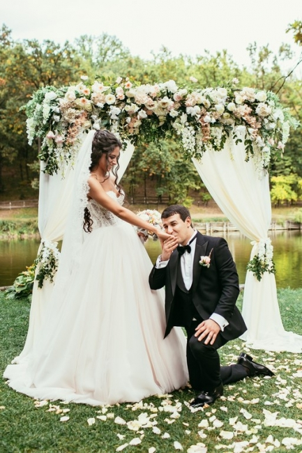 Princess White Wedding Dresses with Lace Tulle Beaded Bridal Wedding Dresses
