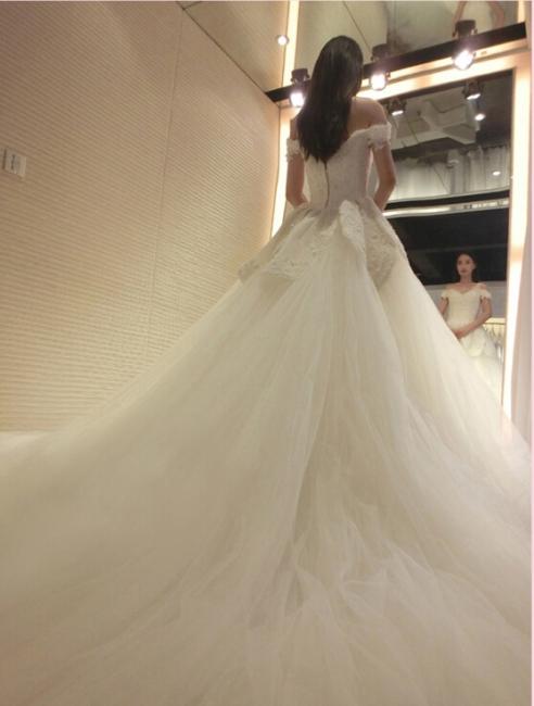 Prinzessin Brautkleider Elfenbein Spitze Tüll Brautmoden Hochzeitskleider