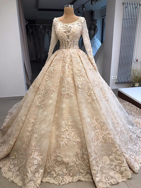 Vintage wedding dress with lace | Wedding dress with sleeves online
