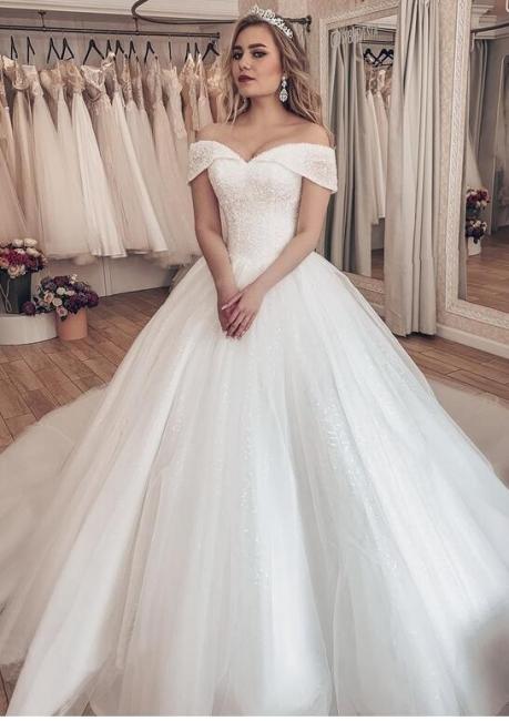 Luxury wedding dresses princess | White wedding dresses with train