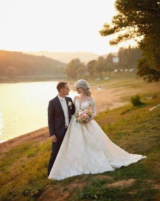 Schlichte A linie Brautkleider Mit Ärmel Spitze Hochzeitskleider Online