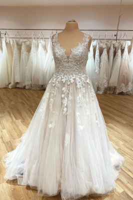 Simple wedding dress V neckline | Wedding dresses lace_1