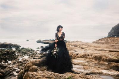 Schwarze Hochzeitskleider mit Ärmel | Spitze Brautkleid Online_7