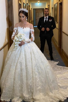 Extravagant wedding dress with sleeves | Princess wedding dresses with lace_1