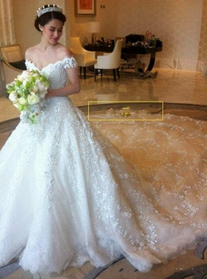Luxury lace wedding dresses | A line wedding dress with sleeves_1