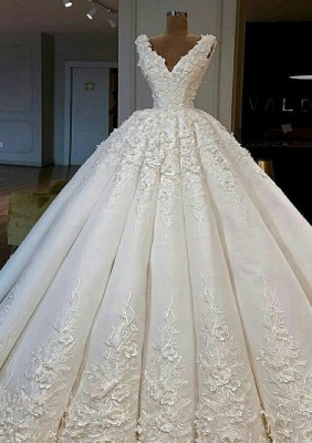 Elegant White Wedding Dresses With Lace A Line Floor Length Wedding Gowns Online_1
