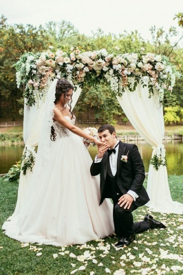 Princess White Wedding Dresses with Lace Tulle Beaded Bridal Wedding Dresses_1
