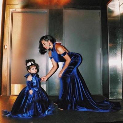 Elegante Lange Abschlussballkleider Abendkleider Royal Blue Meerjungfrau Abendmoden_3