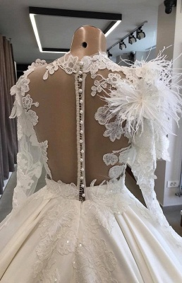 Modern wedding dress with sleeves | Princess wedding dress with feathers_4